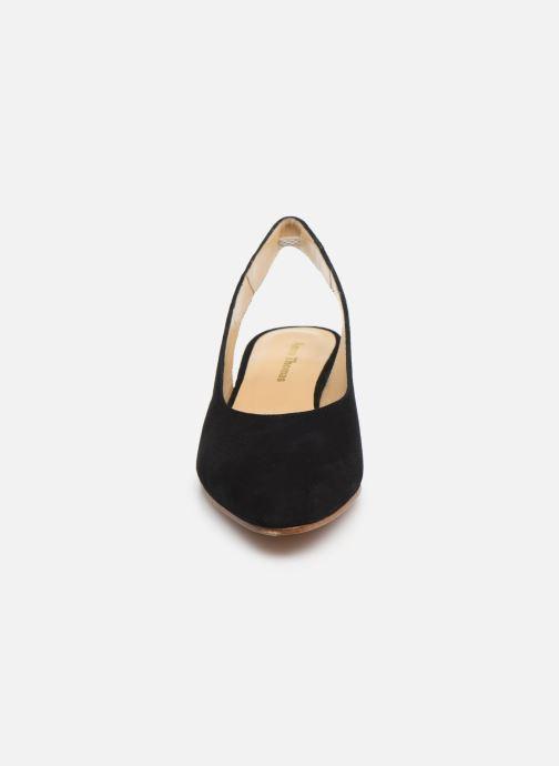 Zapatos de tacón Anne Thomas Michèle Slingback Negro vista del modelo