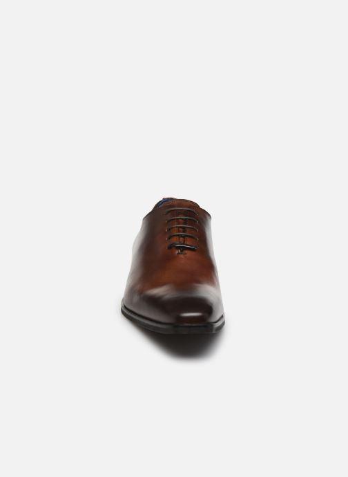 Zapatos con cordones Azzaro SORAINO Marrón vista del modelo