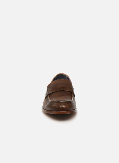 Mocassins Azzaro URTISS Marron vue portées chaussures