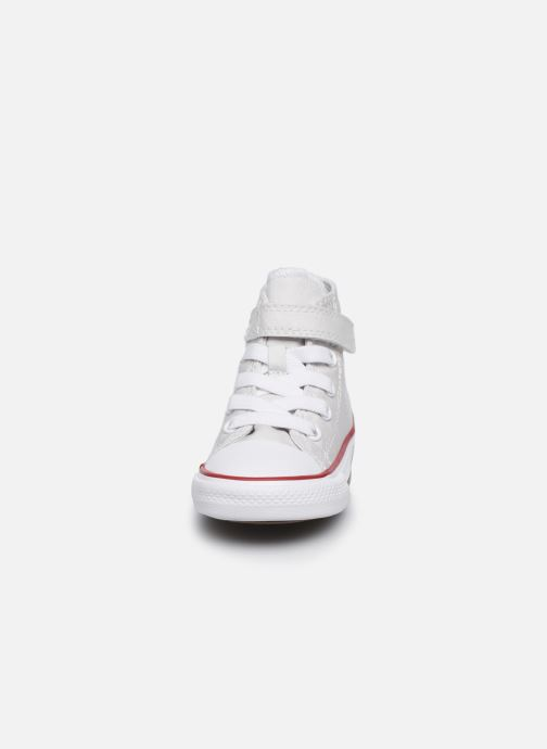 Baskets Converse Chuck Taylor All Star 1V Hi Blanc vue portées chaussures