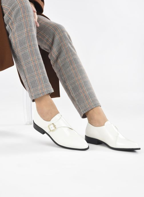 Chaussure à boucle Made by SARENZA Urban Smooth Souliers #1 Blanc vue bas / vue portée sac
