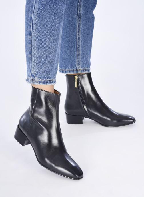Stiefeletten & Boots Georgia Rose Thaïs schwarz ansicht von unten / tasche getragen
