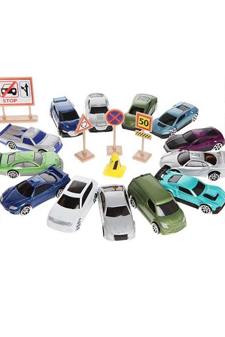 Divers Voitures Miniatures Lot de petites voitures Multicolore vue portées chaussures