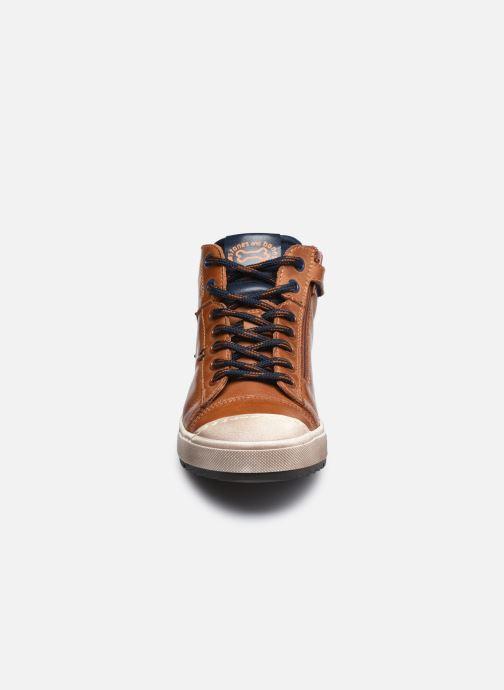 Sneaker Stones and Bones Baset braun schuhe getragen