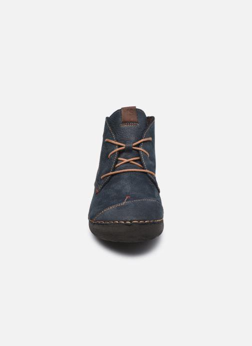 Sneakers Josef Seibel Fergey 18 Azzurro modello indossato