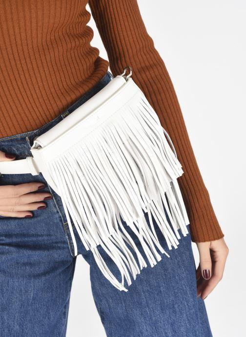 Sacs à main Essentiel Antwerp Wonderwoman Fringe Belt Bag Blanc vue bas / vue portée sac