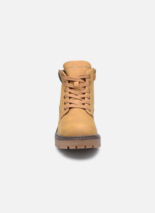 Bottines et boots Tommy Hilfiger Lace-Up Bootie Marron vue portées chaussures
