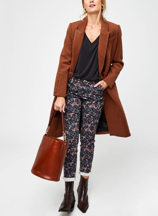 Vêtements Kanopé Pantalon Dahlia Floral Multicolore vue bas / vue portée sac