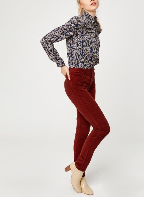 Vêtements Kanopé Pantalon Clementine Velours Rouge vue bas / vue portée sac
