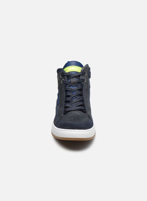 Sneaker Bullboxer AOF500E6L blau schuhe getragen