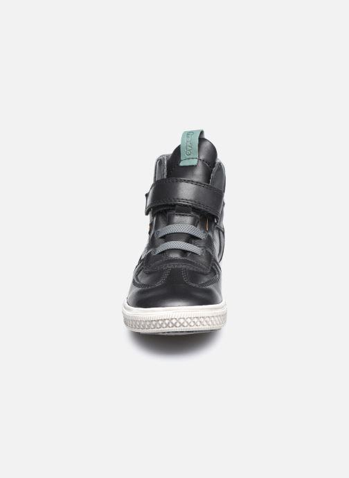 Sneaker Froddo G3110150 schwarz schuhe getragen
