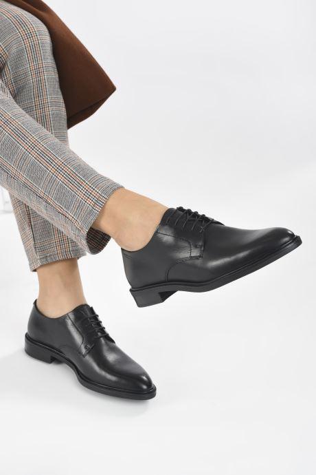 Chaussures à lacets Vagabond Shoemakers FRANCES 5006-201 Noir vue bas / vue portée sac