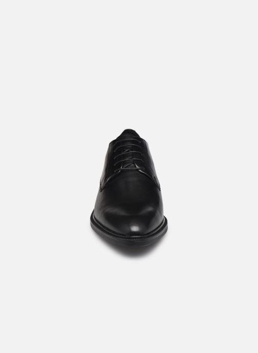 Scarpe con lacci Vagabond Shoemakers FRANCES 5006-201 Nero modello indossato
