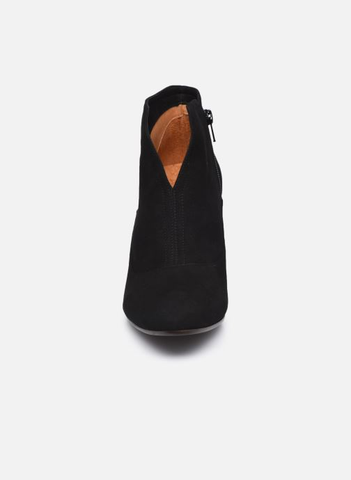 Bottines et boots Chie Mihara X-Fedora 37 Noir vue portées chaussures