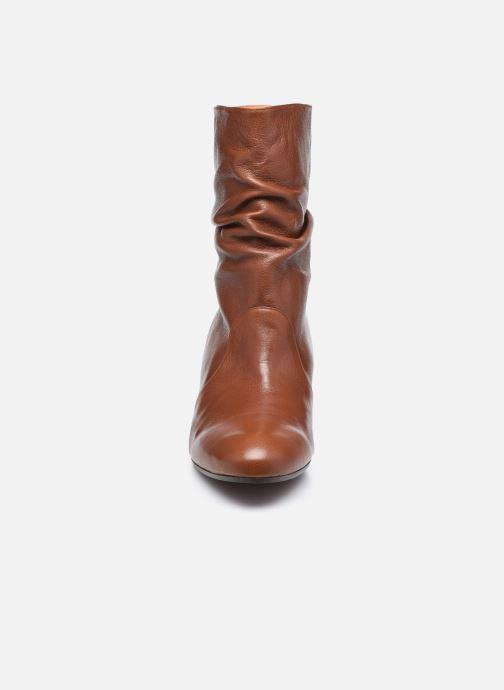 Bottines et boots Chie Mihara NASTI Marron vue portées chaussures