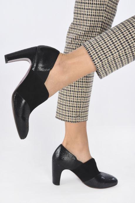 Bottines et boots Chie Mihara ERMIN Noir vue bas / vue portée sac