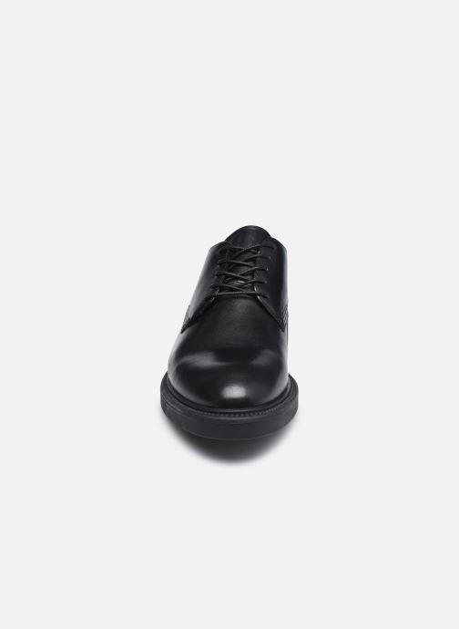 Schnürschuhe Vagabond Shoemakers ALEX W 5048-201 schwarz schuhe getragen