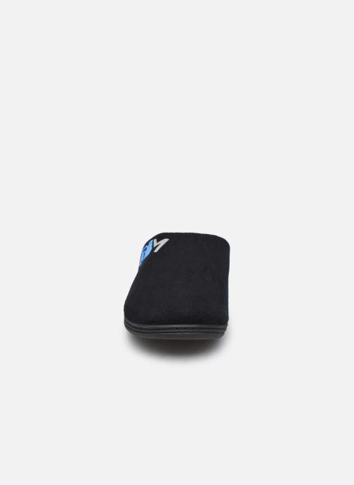 Pantuflas Dim D Fluve Negro vista del modelo