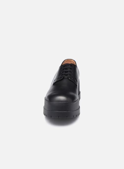 Zapatos con cordones Clergerie WONIE LIGHT Negro vista del modelo