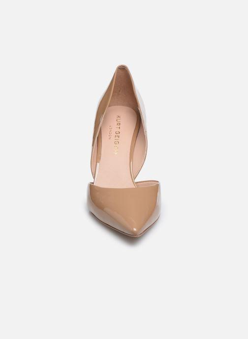 Zapatos de tacón Kurt Geiger BOND 90 Beige vista del modelo