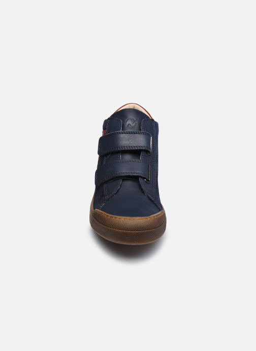 Sneakers Naturino Heist VL Azzurro modello indossato