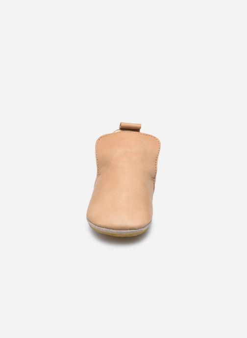 Chaussons Naturino Plumard Piuma Marron vue portées chaussures