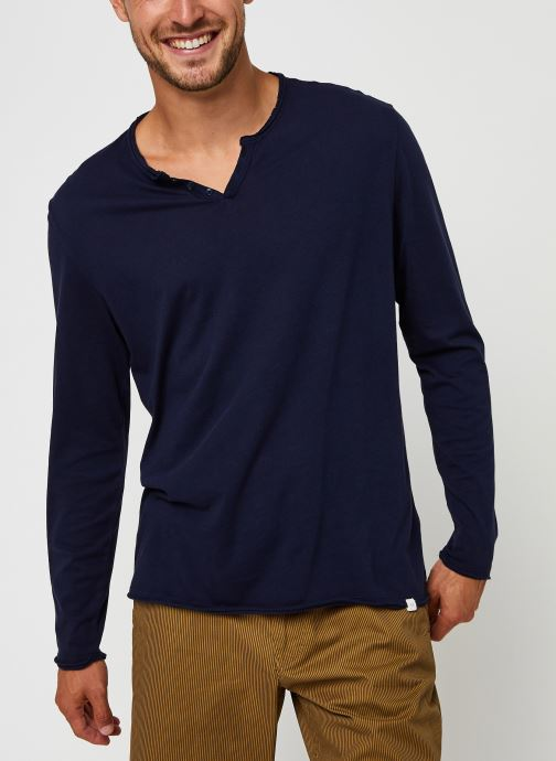 Vêtements Accessoires Tee-shirt Cesar
