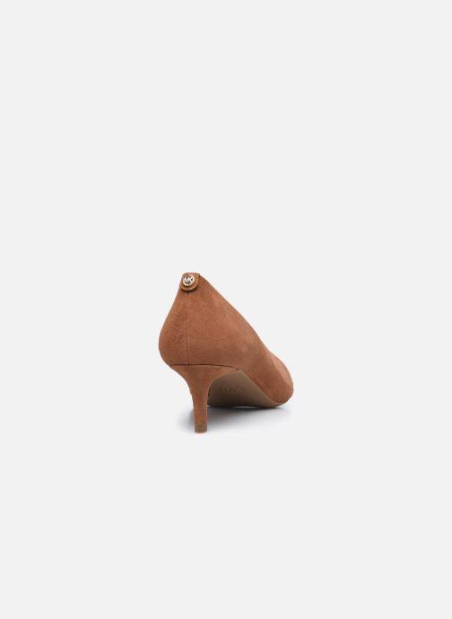 Zapatos de tacón Michael Michael Kors SARA  FLEX KITTEN PUMP Marrón vista lateral derecha