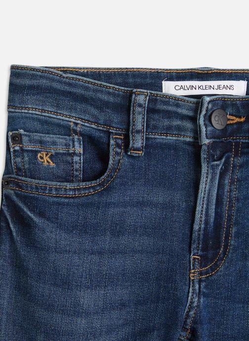 Vêtements Calvin Klein Skinny High Low Blue Destroy Str Bleu vue portées chaussures