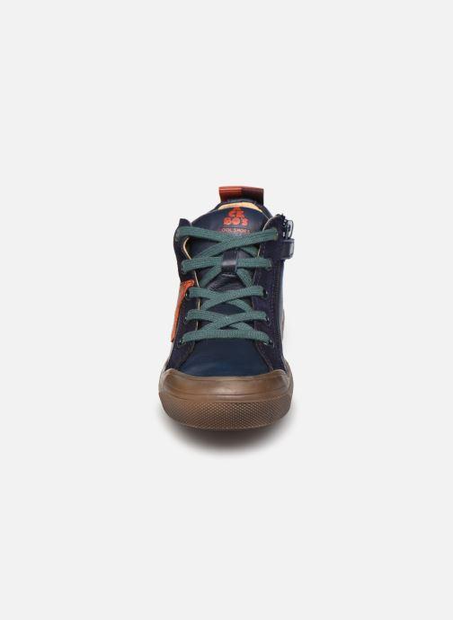 Sneakers Acebo's 5411 Azzurro modello indossato