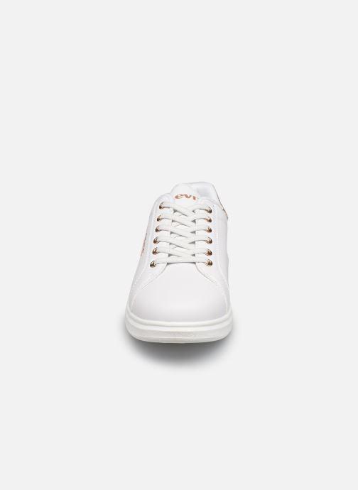 Sneakers Levi's Ellis Bianco modello indossato