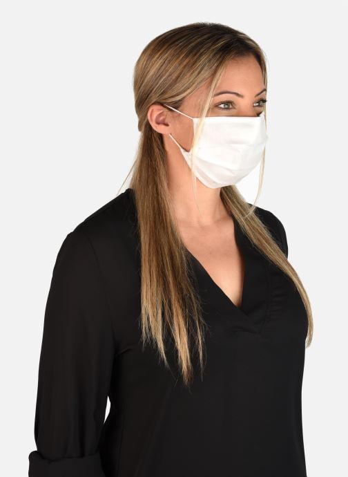 Divers Ruko 2 Masques Barrière Catégorie 1 - norme AFNOR - Blanc vue détail/paire