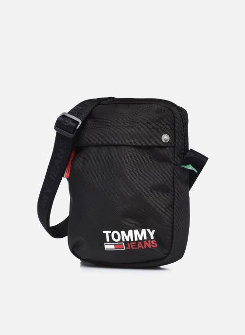 Bolsos de hombre Tommy Hilfiger TJM CAMPUS BOY REPORTER 100% RECYCLED Negro vista del modelo