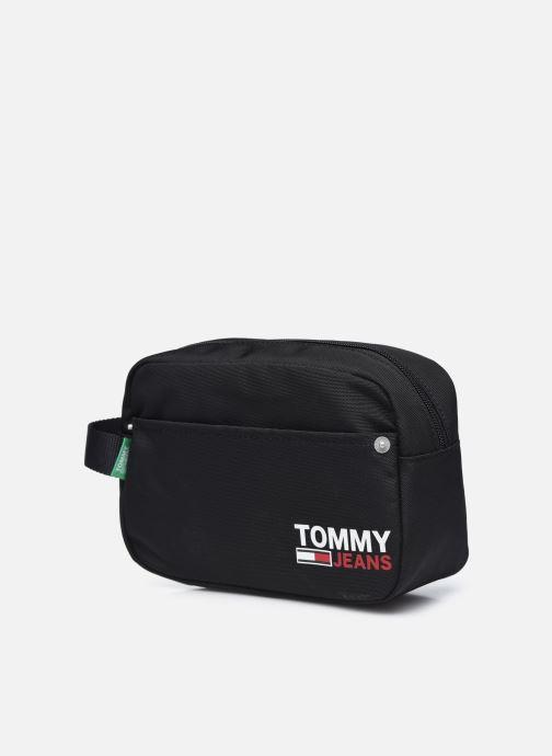 Equipaje  Tommy Hilfiger TJM WASHBAG 100% RECYCLED Negro vista del modelo