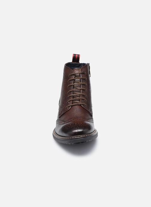 Boots en enkellaarsjes Base London BERKLEY Bruin model