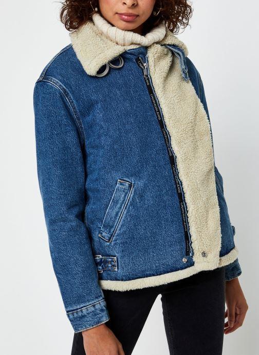 Vêtements Calvin Klein Jeans Sherpa Moto Denim Jacket Bleu vue droite