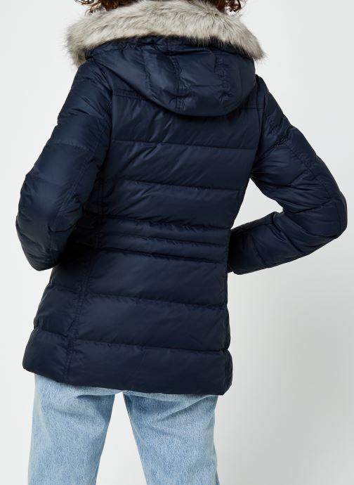 Vêtements Tommy Hilfiger Th Ess Tyra Down Jkt With Fur Bleu vue portées chaussures