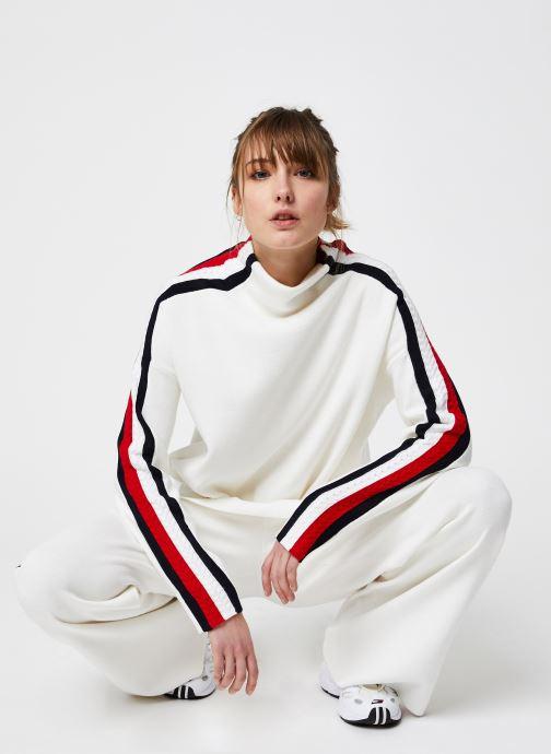 Vêtements Tommy Hilfiger Side Stripe MOCK-NK SWEATER LS Blanc vue bas / vue portée sac