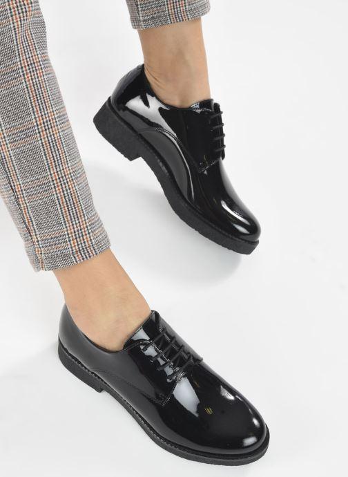 Chaussures à lacets Georgia Rose Azylis Noir vue bas / vue portée sac