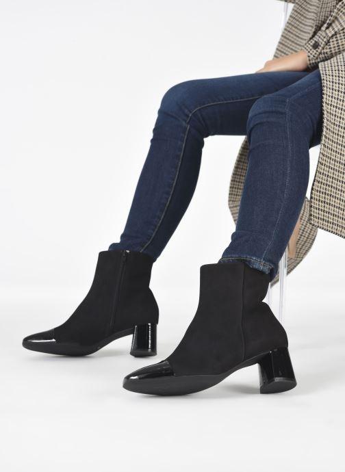 Bottines et boots Georgia Rose Soft Wisquar Noir vue bas / vue portée sac