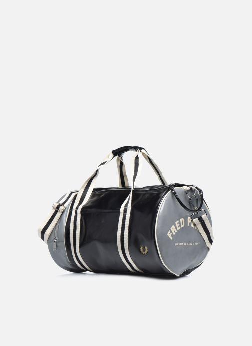 Sacs de sport Fred Perry Color Block Classic Barrel Bag Noir vue portées chaussures