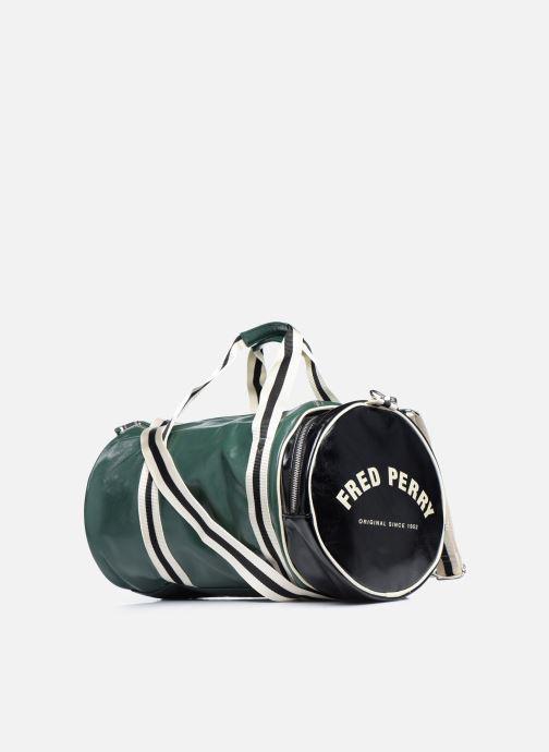 Sacs de sport Fred Perry Color Block Classic Barrel Bag Vert vue droite