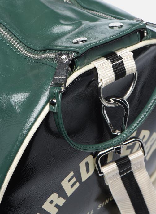 Sacs de sport Fred Perry Color Block Classic Barrel Bag Vert vue gauche