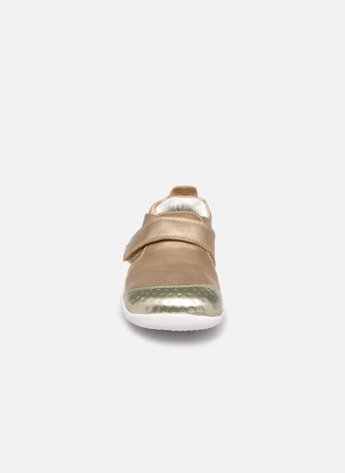 Chaussons Bobux Xplorer Go Or et bronze vue portées chaussures