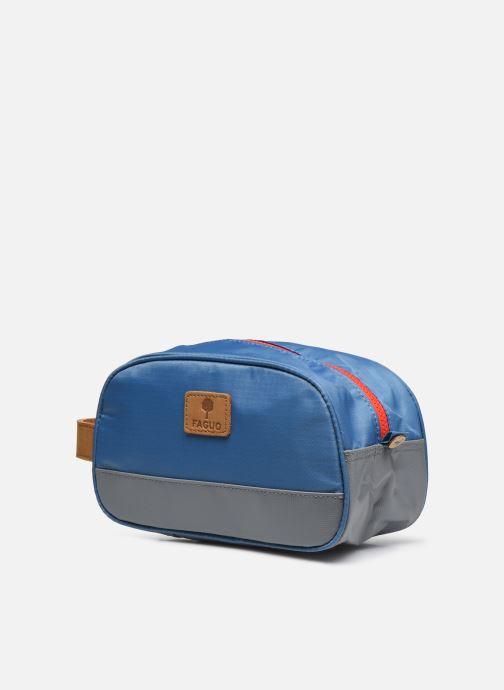 Marroquinería pequeña Faguo WASHBAG PETIT ACCESSOIRE SYNTH Azul vista del modelo