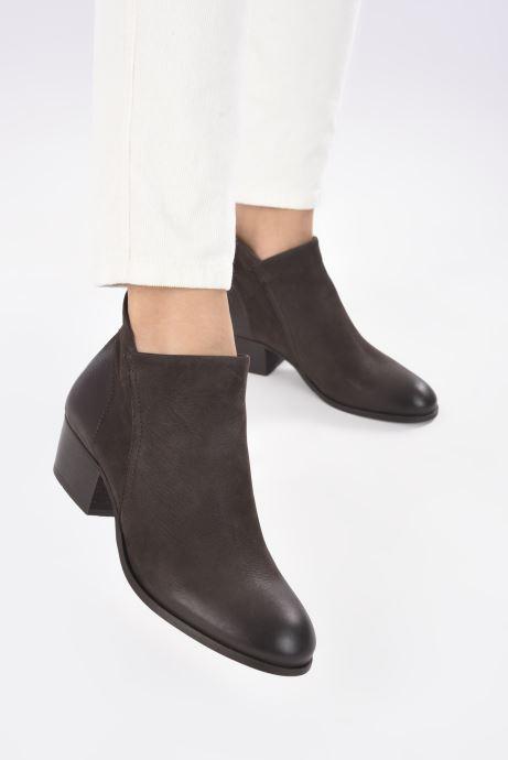 Bottines et boots H By Hudson Apisi Marron vue bas / vue portée sac