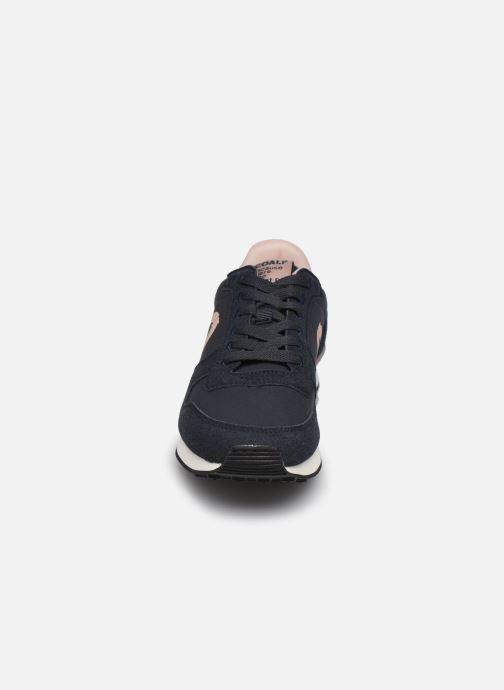 Deportivas ECOALF Yale Sneakers Woman Azul vista del modelo