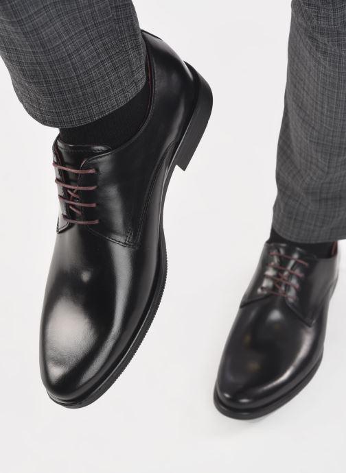Schnürschuhe Marvin&Co Nonto schwarz ansicht von unten / tasche getragen