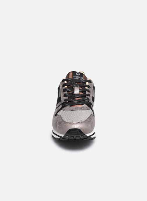 Baskets Victoria Cometa Multimaterial Cr Gris vue portées chaussures