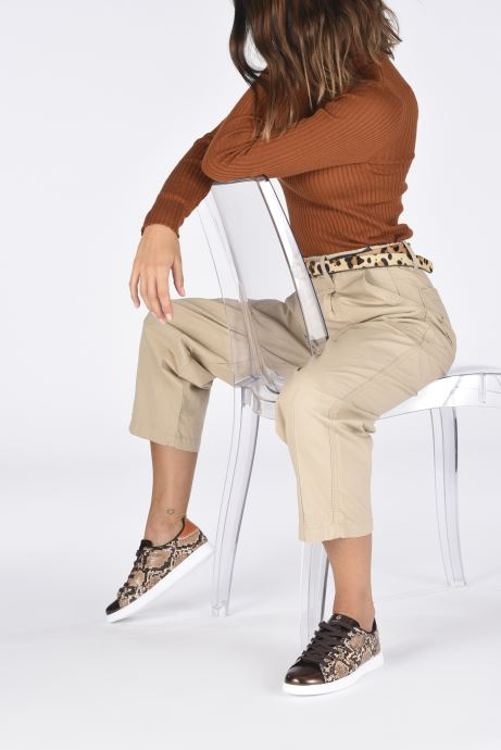 Sneaker Victoria Tenis Metal/Serpiente braun ansicht von unten / tasche getragen